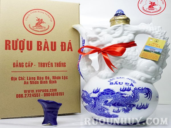 Rượu Bàu Đá (Bình Định)