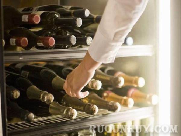 Cách bảo quản rượu vang đã khui nắp bằng tủ lạnh