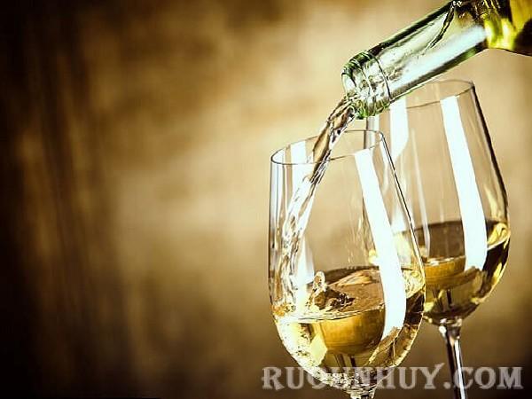 Cách mở rượu vang khi thưởng thức