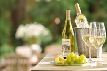 Mách bạn cách thưởng thức rượu vang trắng đúng chuẩn