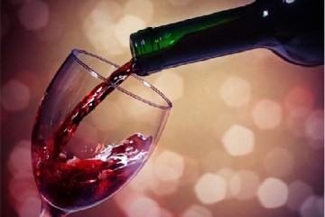 Cách uống rượu vang đỏ đúng chuẩn cho những ai chưa biết