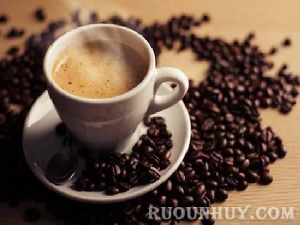 Dùng cà phê đậm đặc để làm thức uống giã rượu