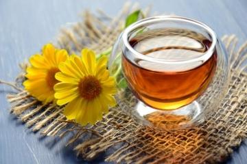 Hướng dẫn cách ngâm rượu hoa cúc ngon đúng cách