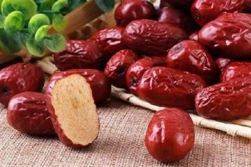 Tìm hiểu ngay cách ngâm rượu táo đỏ tốt cho sức khỏe